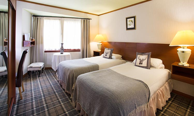 Loch-Ness-Lodge-Hotel-Accommodation-Twin-Room