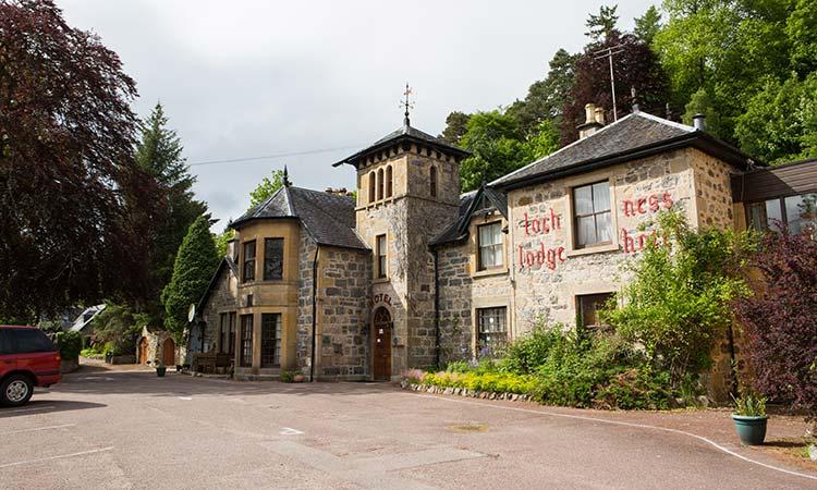 Loch-Ness-Lodge-Hotel-Exterior