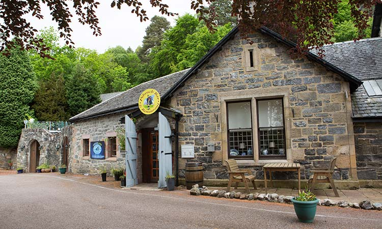 Loch-Ness-Lodge-Hotel-Food-and-Drink-Pibroch-Bar-and-Restaurant-1