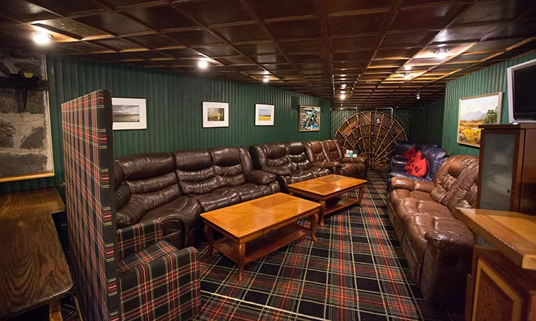 Loch-Ness-Lodge-Hotel-Food-and-Drink-Pibroch-Bar-and-Restaurant-3