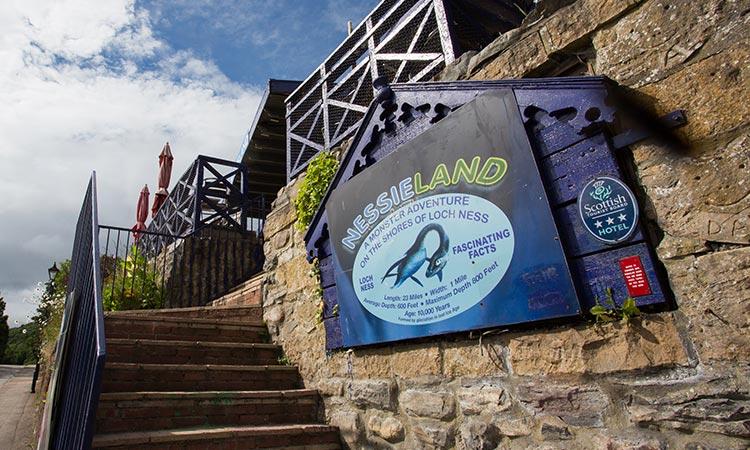 Loch-Ness-Lodge-Hotel-Nessieland-Entrance