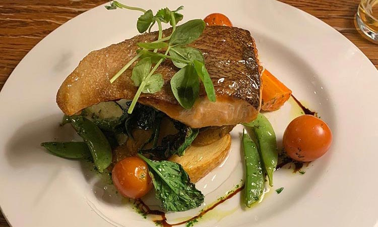 Loch-Ness-Lodge-Hotel-Pibroch-Bar-and-Restaurant-Food-3